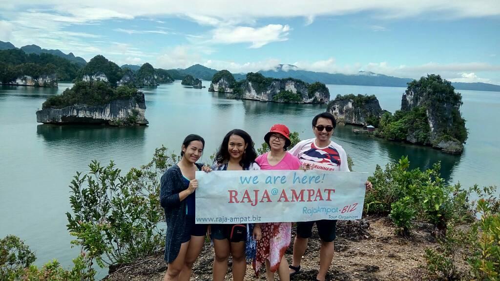 TOUR RAJA AMPAT